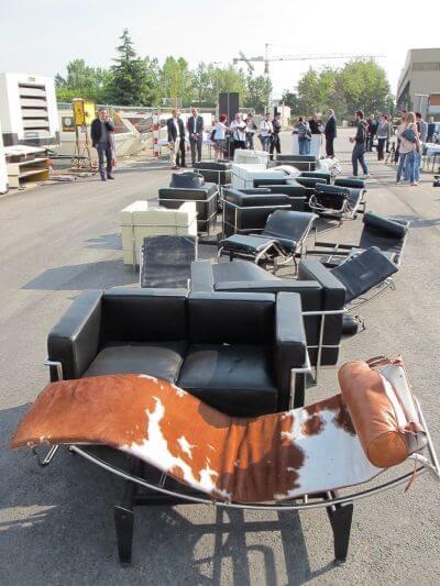 destruction de meubles Le Corbusier contrefaits par l'administration fédérale des douanes suisses