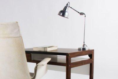 GALERIE44- fauteuil-preben-fabricius-cuir-blanc-bureau-andre-sornay-lampe-geroges-houillon-galerie44