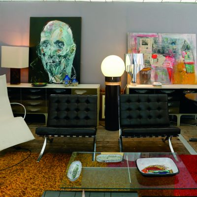 Denis Sutter fauteuils Barcelona de Mies van der Rohe