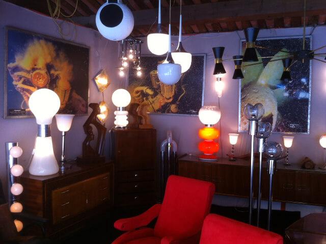 Sélection de mobilier design vintage à acheter sur Les Puces du Design - Stand Jacques DUBLY - Idées Lumineuses